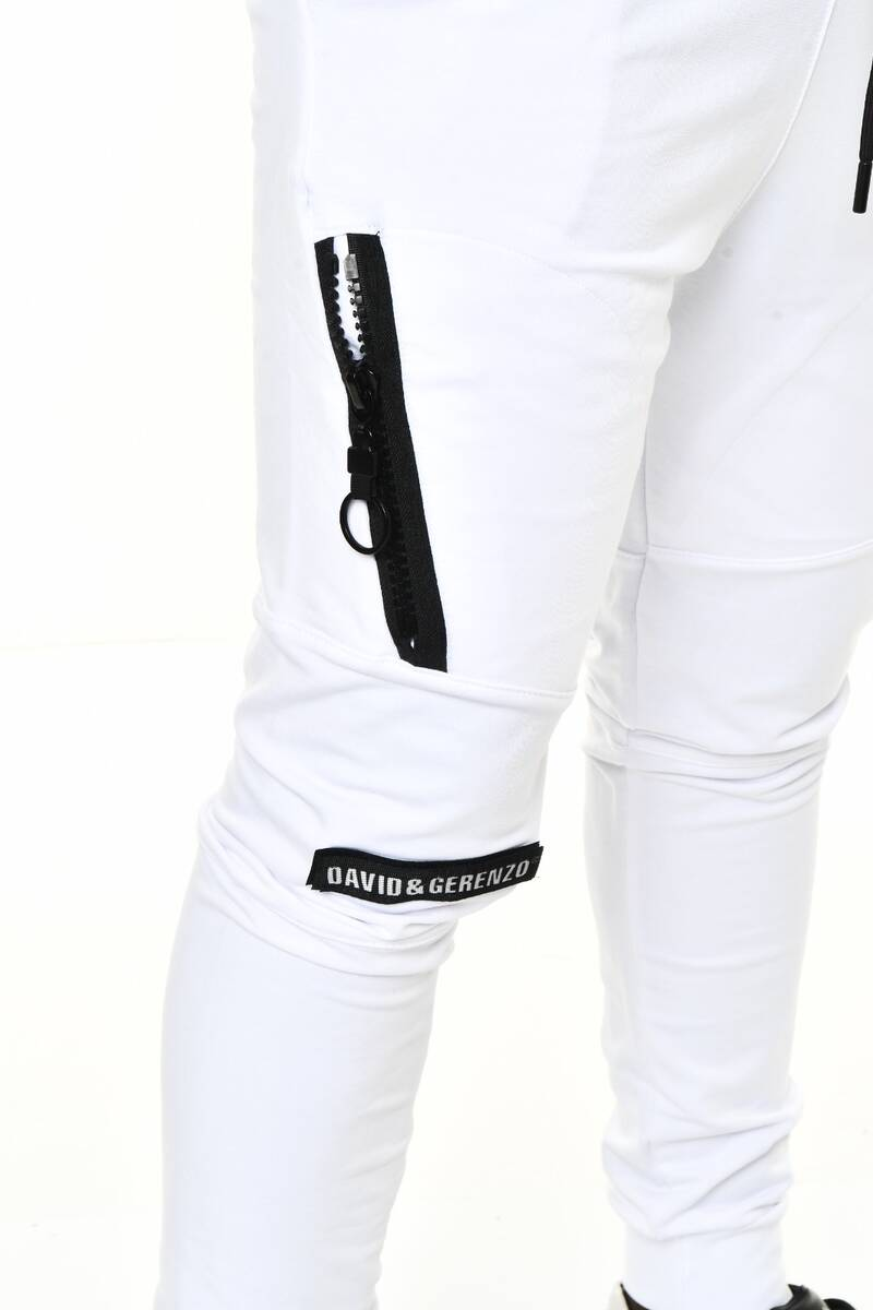 Beyaz Fermuar ve Logo Aksesuarlı Ribana Paça Eşofman Altı
