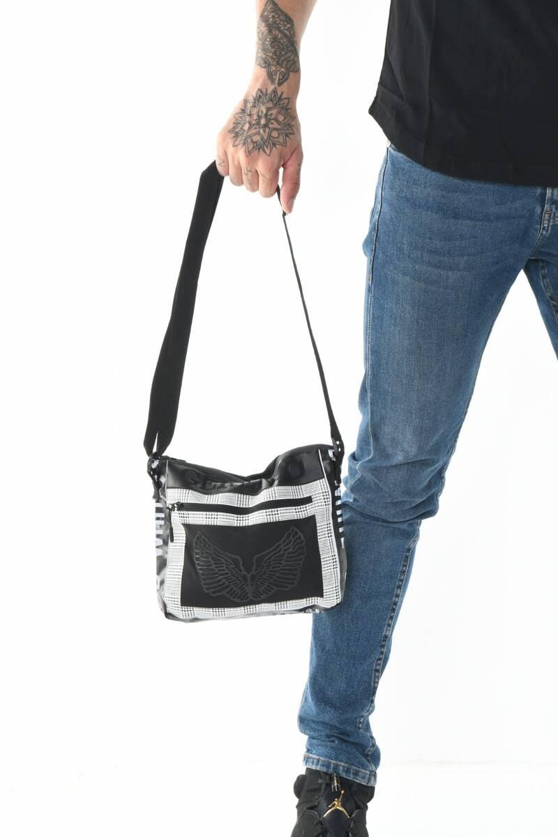 Transparan Ön Cep Detay Ekose Desen Askılı Siyah Çanta